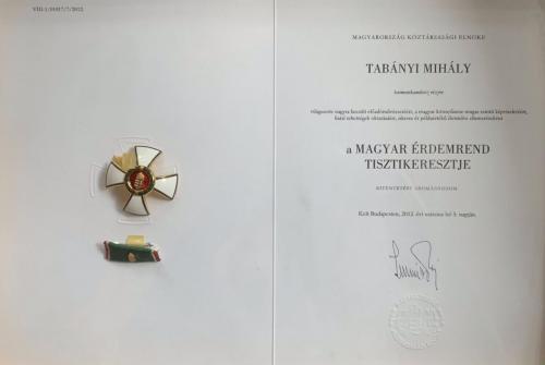 A Magyar Érdemrend Tisztikeresztje